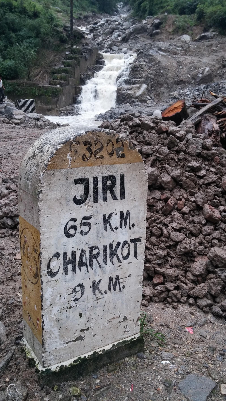 離JIRI(號稱小瑞士)65公里而已耶