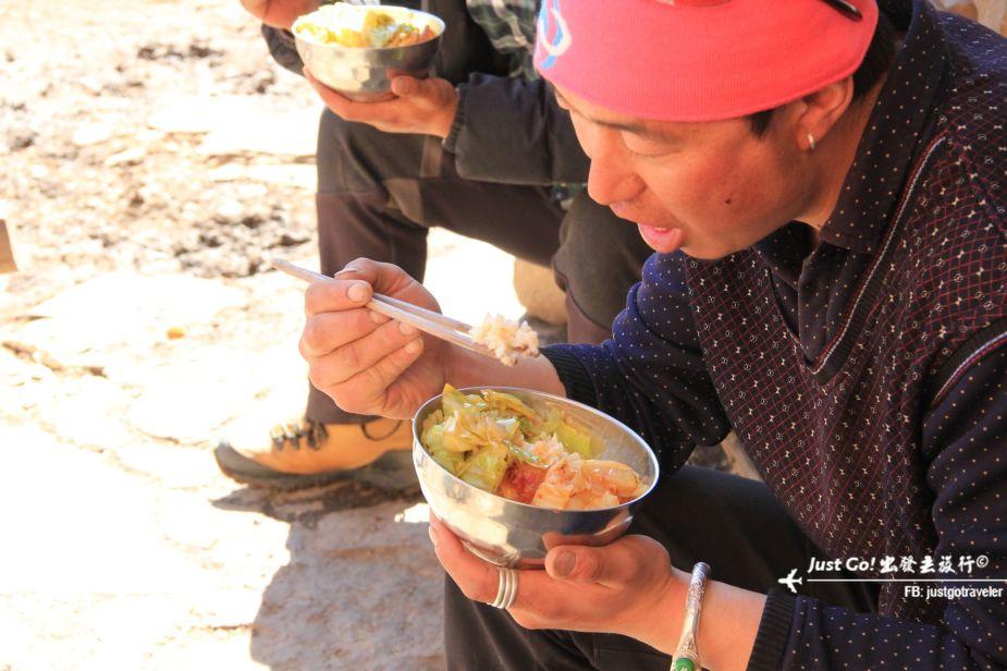 [中國] 日出登頂5025公尺·四川四姑娘山大峰雪地攀登2日遊記15_