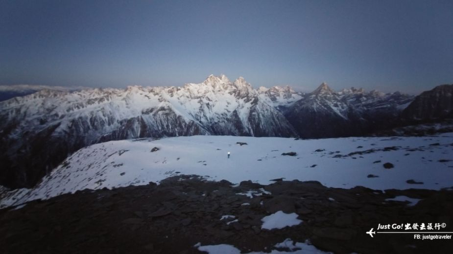 [中國] 日出登頂5025公尺·四川四姑娘山大峰雪地攀登2日遊記33_