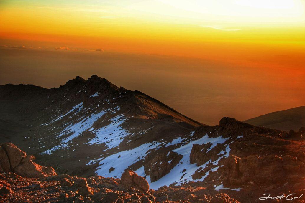 日出Kilimanjaro
