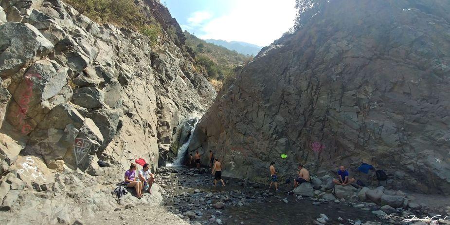 智利 - 聖地牙哥旅遊·自助探訪瀑布、俯瞰市景熱門登山健行路線08_