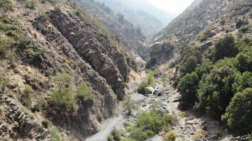 智利 - 聖地牙哥旅遊·自助探訪瀑布、俯瞰市景熱門登山健行路線12_