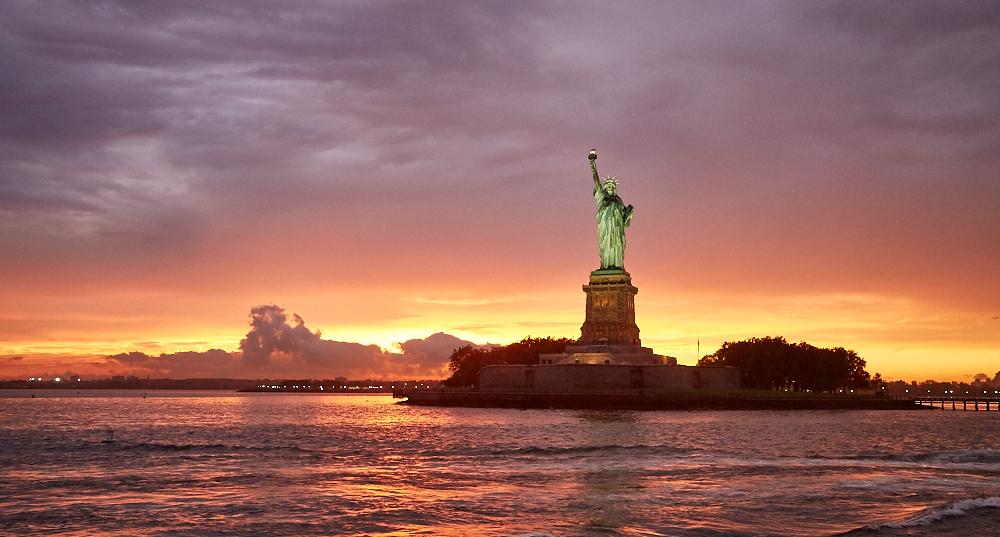美國 - 紐約曼哈頓3大日落夜景拍攝景點-洛克菲勒、帝國大廈、自由女神-16Wikimedia