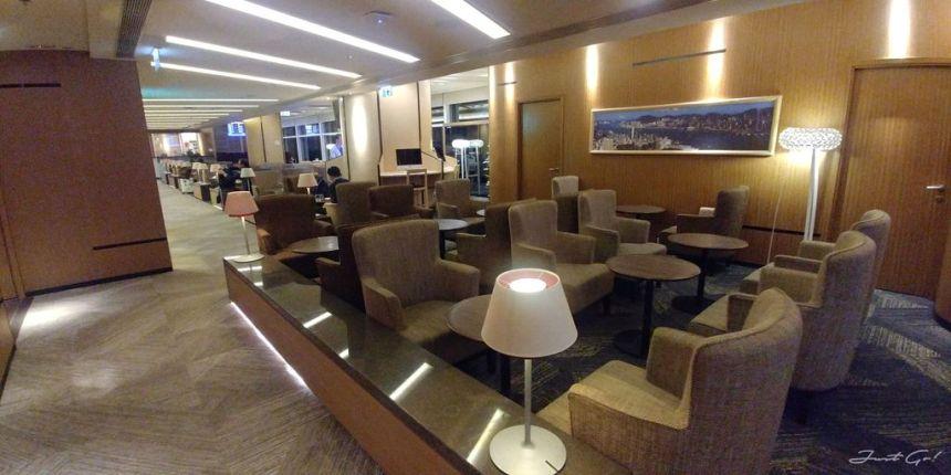 香港 - 環亞、遨堂、紫荊堂機場貴賓室休息睡覺、餐點服務比較03_
