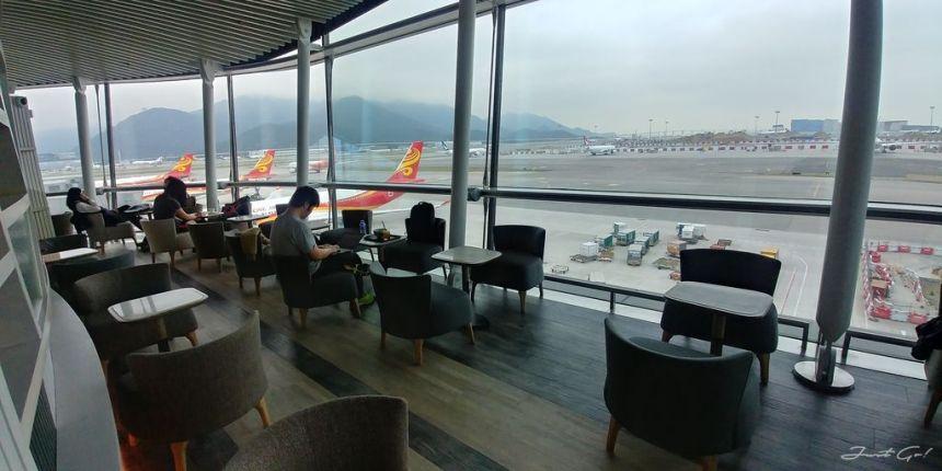 香港 - 環亞、遨堂、紫荊堂機場貴賓室休息睡覺、餐點服務比較06_