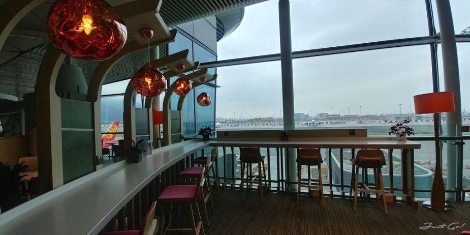 香港 - 環亞、遨堂、紫荊堂機場貴賓室休息睡覺、餐點服務比較07_