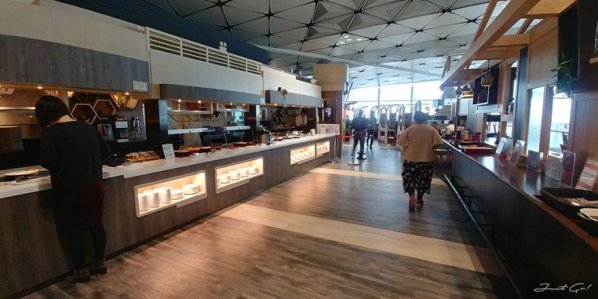 香港 - 環亞、遨堂、紫荊堂機場貴賓室休息睡覺、餐點服務比較08_