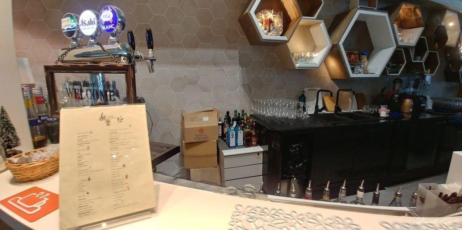 香港 - 環亞、遨堂、紫荊堂機場貴賓室休息睡覺、餐點服務比較09_