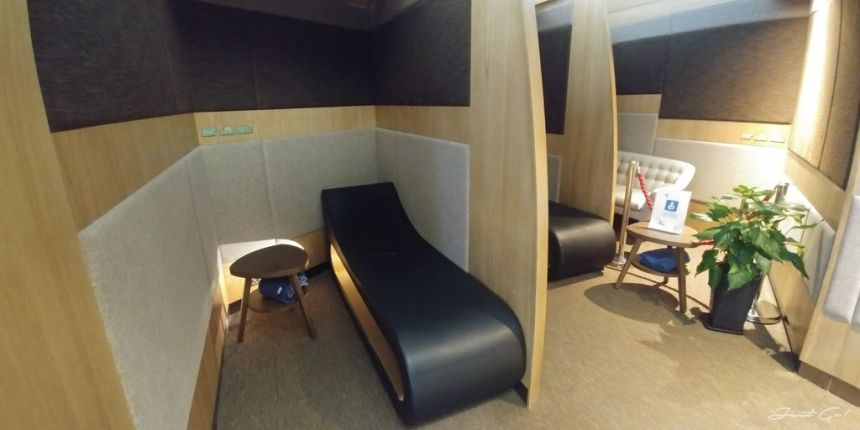 香港 - 環亞、遨堂、紫荊堂機場貴賓室休息睡覺、餐點服務比較15_
