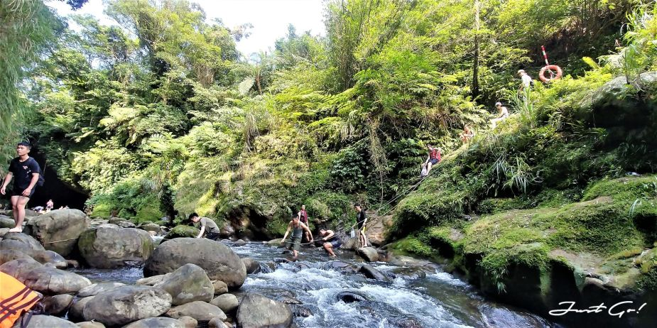 台灣 - 新北石碇必去景點·蚯蚓坑峽谷·夢幻美景-公車、溯溪、裝備10