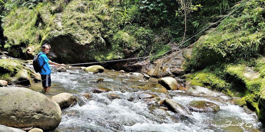 台灣 - 新北石碇必去景點·蚯蚓坑峽谷·夢幻美景-公車、溯溪、裝備5