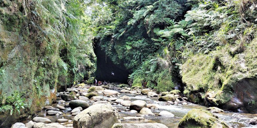 台灣 - 新北石碇必去景點·蚯蚓坑峽谷·夢幻美景-公車、溯溪、裝備6
